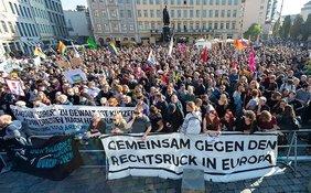 Gegendemonstration: Mächtiger als die Rechtsaußen-Stürmer