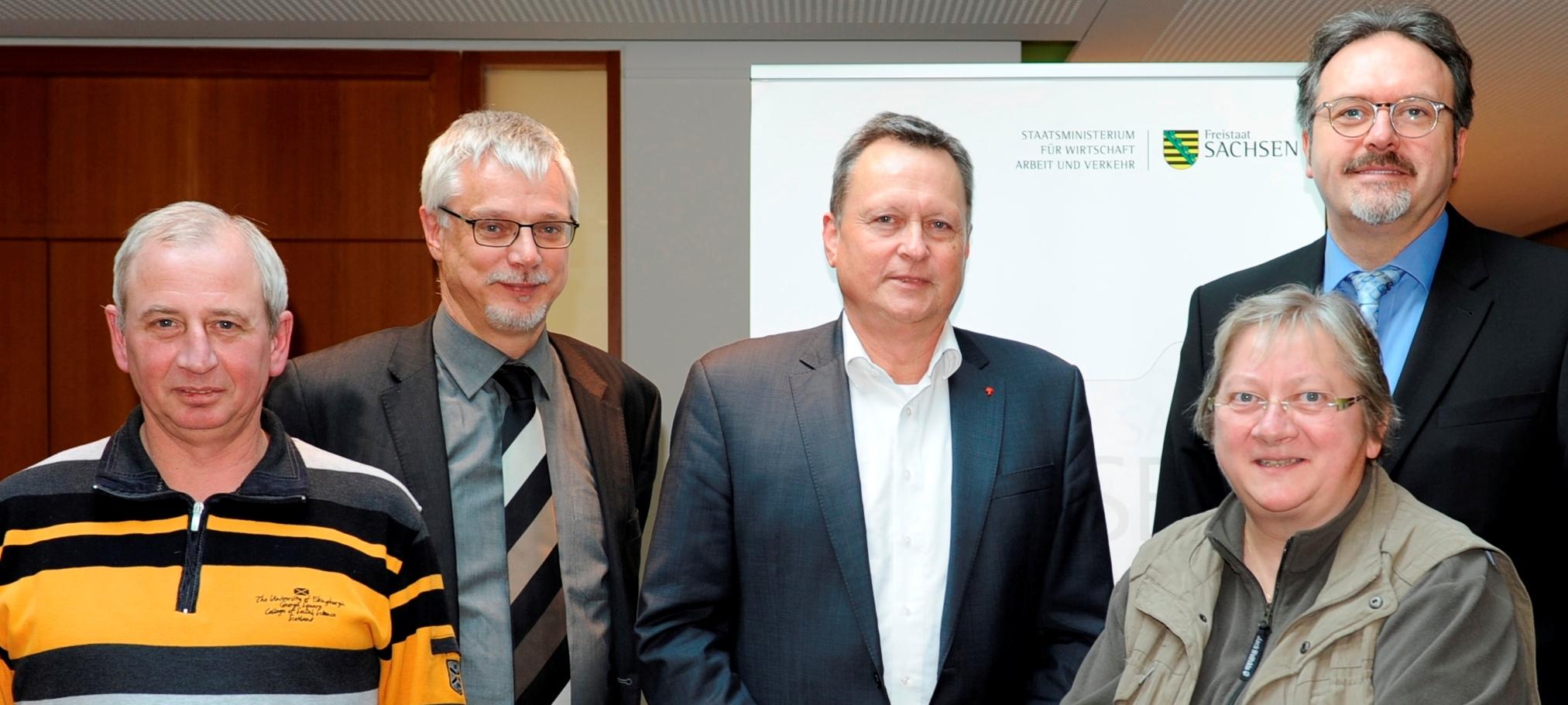 Foto Betriebsrat und Staatssekretär