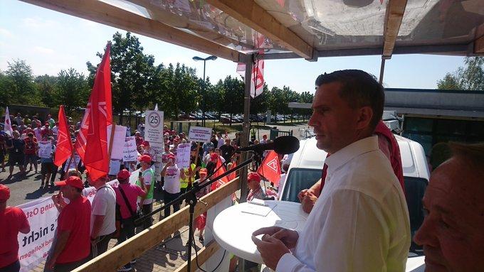 Warnstreik für Tarifvertrag: Martin Dulig (SPD) ist dabei