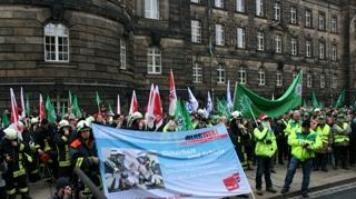 Blick auf die Demonstranten