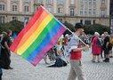 Teilnehmende und Künstler*innen auf der #unteilbar-Demo in Dresden